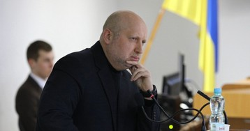Турчинов объяснил, почему Киев неможет объявить войну Москве