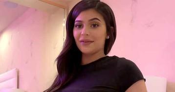 """Kylie Jenner sobre Stormi: """"Ela parece comigo quando eu era criança"""""""