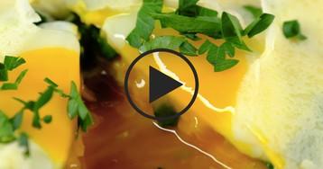 Блины с жидким яйцом на завтрак