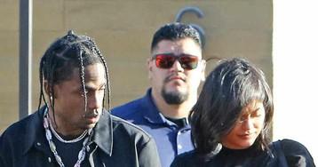 Kylie Jenner e Travis Scott são vistos em público após nascimento de Stormi