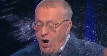 """В пресс-службе ЛДПР назвали поступок Собчак """"историческим плагиатом"""""""