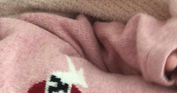 Kylie Jenner posa de lingerie um mês após nascimento de Stormi