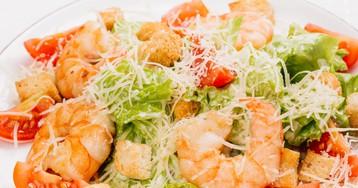 """Восхитительный салат """"Цезарь с креветками"""""""