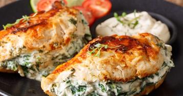 Куриные грудки со шпинатом и риккотой