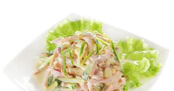 Салат с грибами, ветчиной, сыром и свежим огурцом
