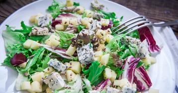 Вкуснейший салат с грушей и голубым сыром