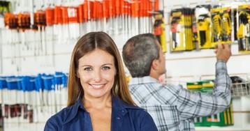 Парочка одесситов в строительном магазине