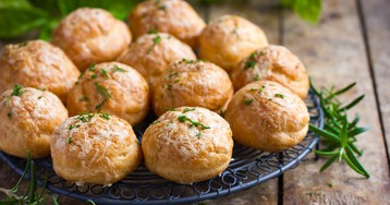 Гужеры – заварные булочки с сыром – улетают вмиг!