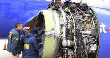 1 Dead, 7 Hurt When Southwest Airlines Engine Fails