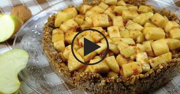Видео-рецепт: Диетический яблочный пирог без муки, масла и яиц