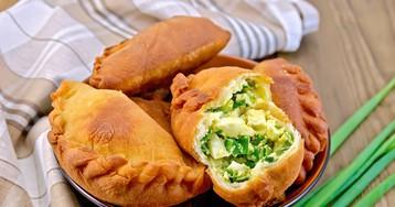 Пирожки с весенней зеленью и яйцом