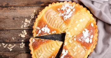 Пирог с грушами и миндалем