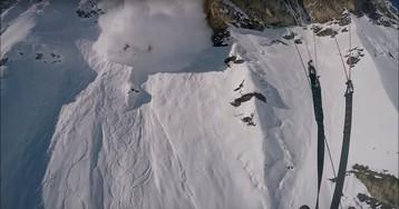 Лыжник едва спасся от лавины: съемка с GoPro