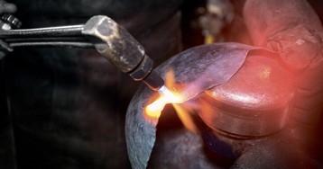 Как спрятать голову в железо: боевые шлемы Средневековья