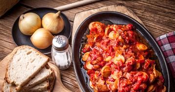 Лечо по-венгерски с сосисками