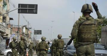 Forças de segurança mantêm ocupação de favelas no Rio
