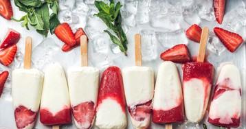 Домашнее мороженое из йогурта с ягодами