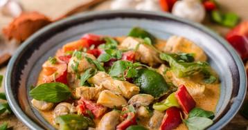 Рагу из курицы с грибами и сладким перцем