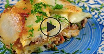 Мясной пирог с овощами и хрустящим картофелем