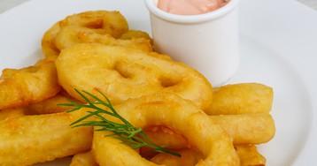 Аппетитные кольца кальмара в кляре