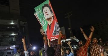 An Economic Crisis Awaits Pakistan's New Leader Imran Khan