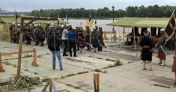 Вице-мэр пообещала пожурить реконструкторов за виселицу на набережной. Но это была не виселица