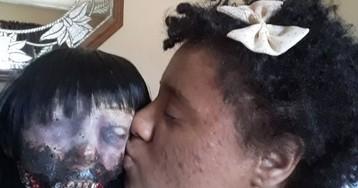 Decepcionada com namoros, garota quer se casar com boneca zumbi