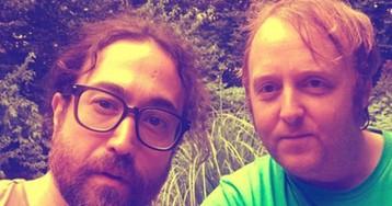 Леннон и Маккартни вместе: сыновья музыкантов сделали селфи, и они очень похожи на отцов