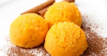 Мороженое со вкусом персика