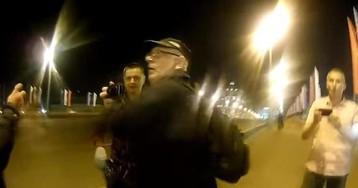 Напавшие на мемориал Немцова активисты SERB попали на видео