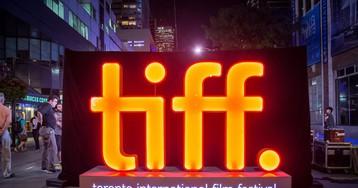 Apple participa de festival de cinema e assina acordos para dois filmes