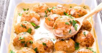 Аппетитные куриные шарики в сливочном соусе