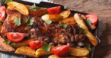 Свиные ребрышки с картофелем запеченые в духовке
