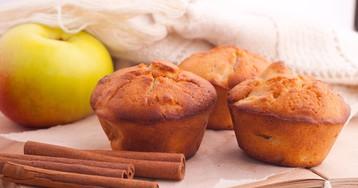 Ароматные кексы с яблоками и корицей
