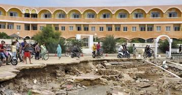 """""""Пленники отелей"""": россияне не могут покинуть Тунис из-за стихии"""
