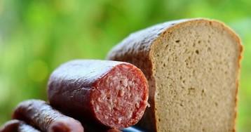 Колбаса подорожает вслед за мясом: эксперты рассказали, кто виноват