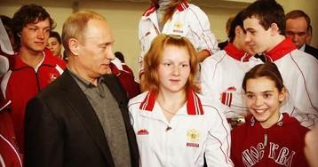 Сотникова – Путину: «С днем рождения! Собаки лают, а караван идет»