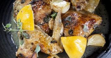 Запечённая курица с лимоном и чесноком