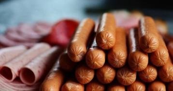 Диетологи объяснили, как правильно выбирать колбасу