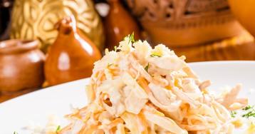 Салат с курицей, корейской морковью и сыром