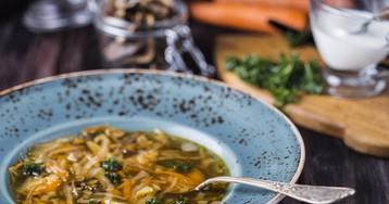 Суп с сушеными грибами и капустой