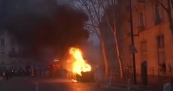 В Париже начались пожары и погромы, счет пострадавших на десятки