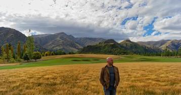 Derek Sivers in a Field