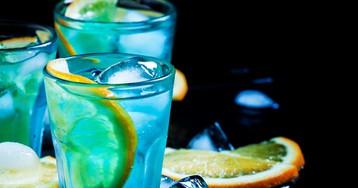 """Праздничный коктейль """"Голубая лагуна"""""""