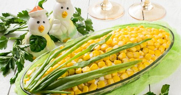 """Салат """"Кукуруза"""" с крабовым мясом"""