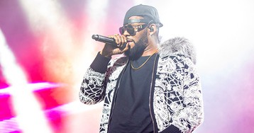 R. Kelly Plans to Expose His Accusers on Facebook