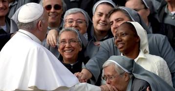 Mujeres y abusos, deudas del Papa
