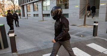 El juez prohíbe a un alto mando policial salir de España por su implicación en el espionaje a Bárcenas