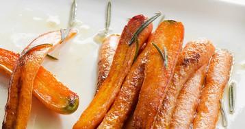 Ароматная морковь, запеченная со специями