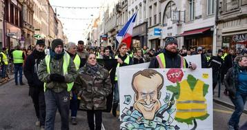 Los 'chalecos amarillos' mantienen su desafío al Gobierno francés